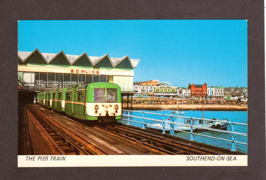 teaserbox 2456250929 - The Southend Pier railway